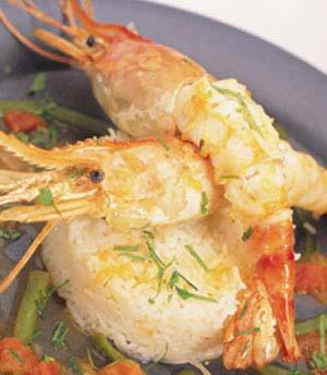 الروبيان المحمّر مع الأرز - طريقة عمل الروبيان المحمّر - بالصور الروبيان المحمّر Grilled-Shrimps-on-Rice_big.jpg